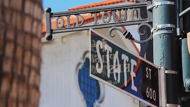 Informações sobre a rua State Street em Santa Bárbara