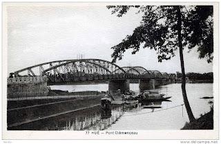 Foto antigua del puente de Hue