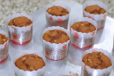 Pumpkin Gingerbread Cupcakes www.thesweetchick.com