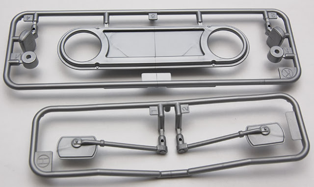 Tamiya CR-01 Toyota Land Cruiser mirrors and grill