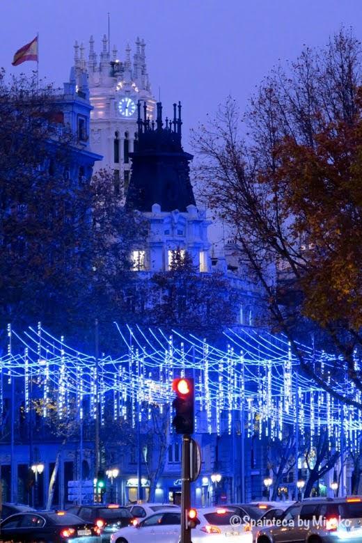 クリスマス・イルミネーションとマドリード市庁舎
