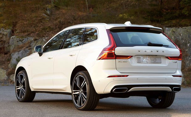 2018 Volvo XC60 First Look Review Car And Driver