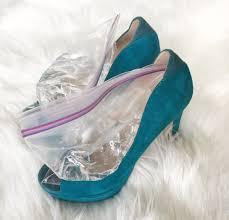 خدع ذكية لتوسيع الحذاء الضيق