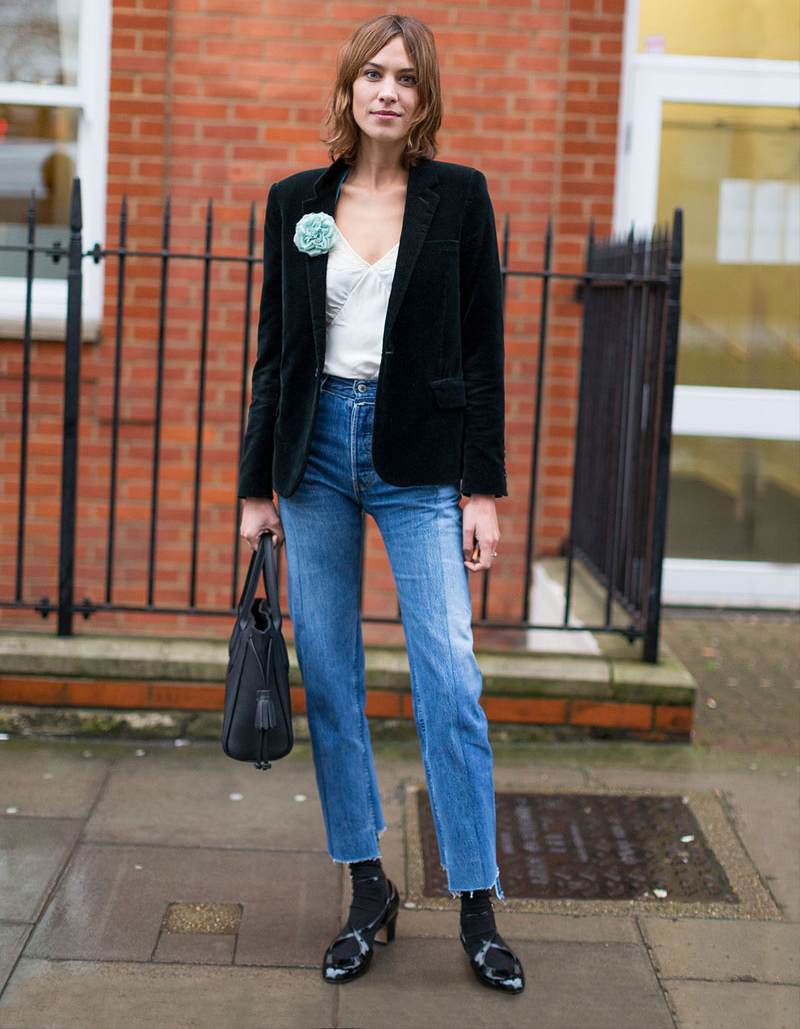 alexa chung 39 s london fashion week street style the front row view. Black Bedroom Furniture Sets. Home Design Ideas