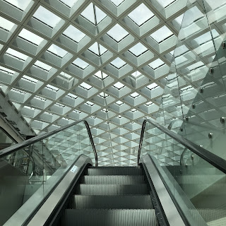 Vue de l'escalator de l'aéroport de Venise