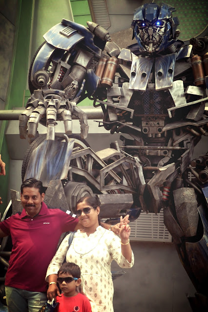 happy family at Universal Studios