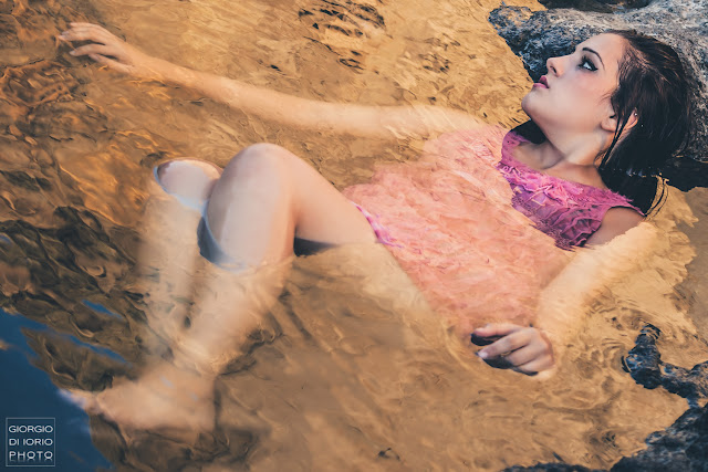 Ritratti Ischia, ritratto femminile, sensualità, Portrait, isola d'Ischia, Foto Ischia, Bellezza Femminile, girl portrait, luce naturale, Woman Portrait, woman. beauty,