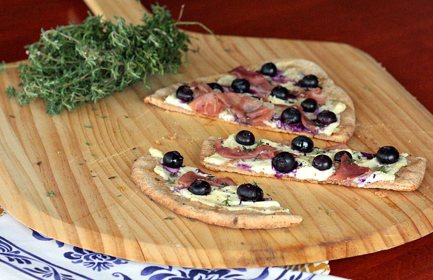 flatbread prosciutto goat cheese