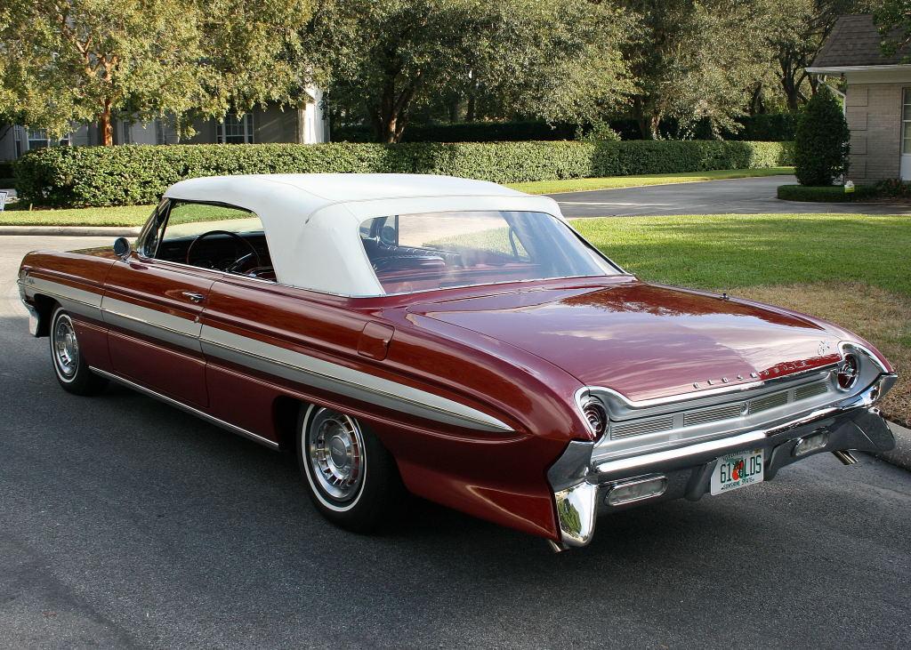 All American Classic Cars 1961 Oldsmobile Starfire 2 Door