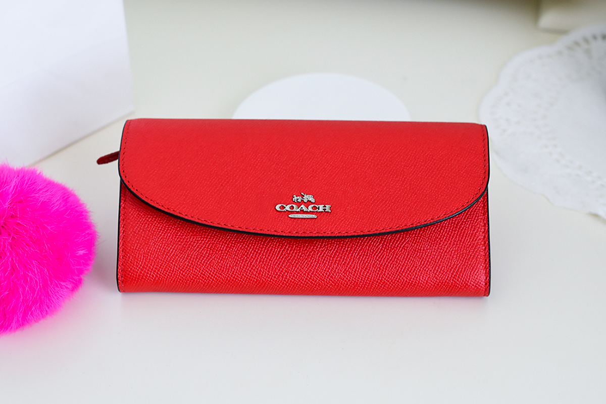 Coach purple wallet. fashion blogger,