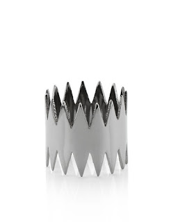 This edgy and interesting ring is from the Carnivore collection. Annelise Michelson's jewellery is instantly recognisable for her sculptural designs and unusual pieces. As this is reduced to £52 its a great moment to snap up an amazing piece of designer jewellery.
