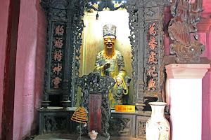 Guardian of the door of the Jade Emperor Pagoda