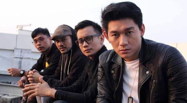Video Detik-Detik Band Seventeen Disapu Ombak Tsunami Banten