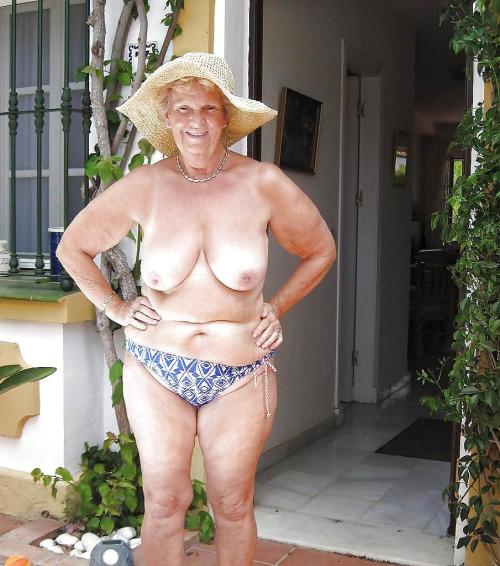 Want mulheres peladas feias her big tits