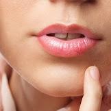 8 Cara Mengatasi Bibir Kering Dan Mengelupas