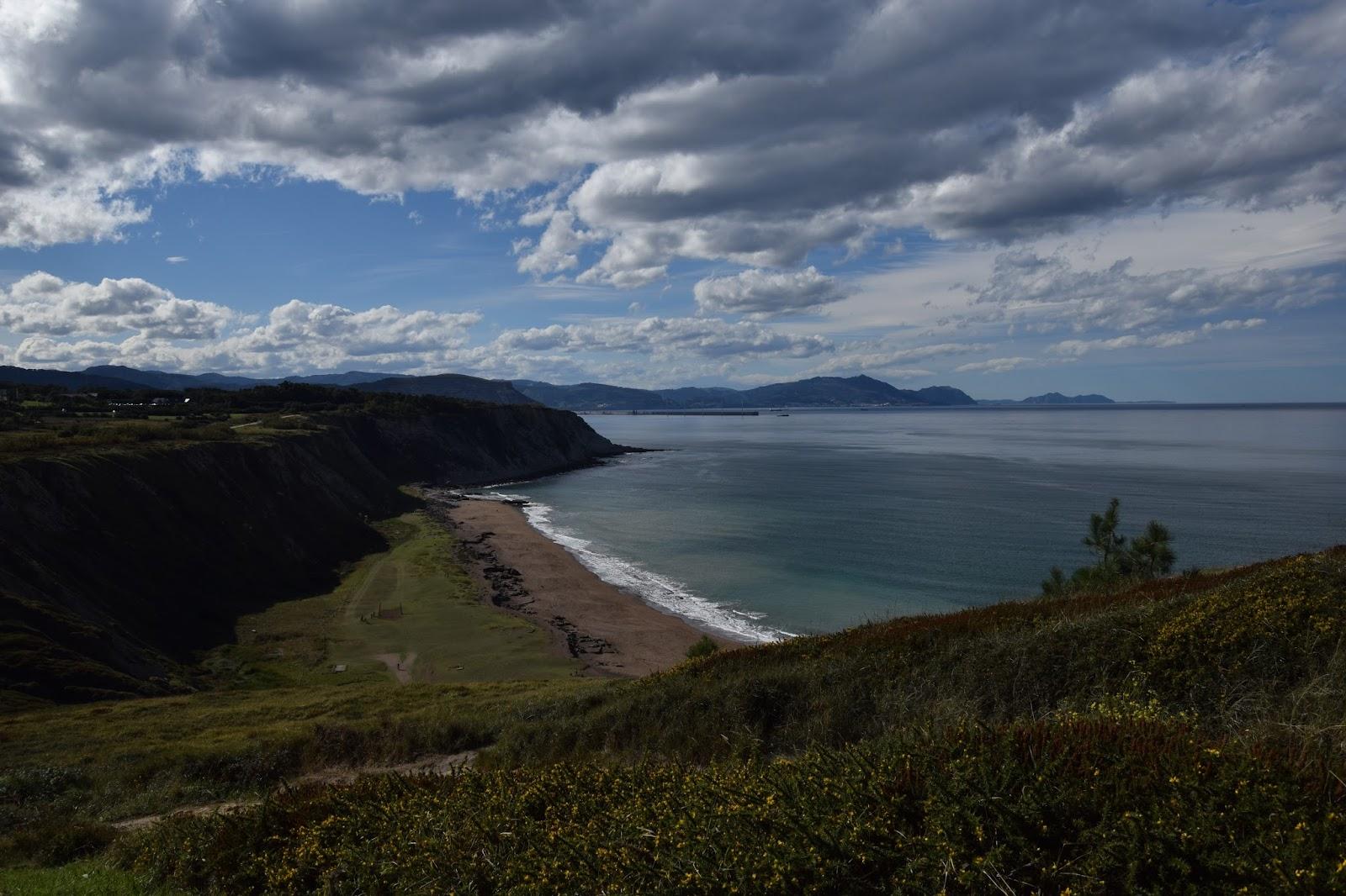 Kraj Basków trekking z dziećmi zatoka klify