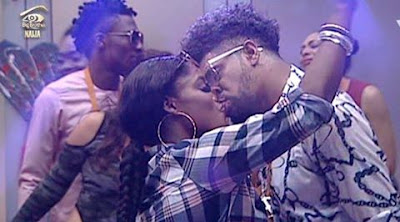 #BBNaija Get Juicy As Bisola Give TTT An After Party Bloow-Job To Calm Him Down . . . A Very Close Look Will Melt Your Mind