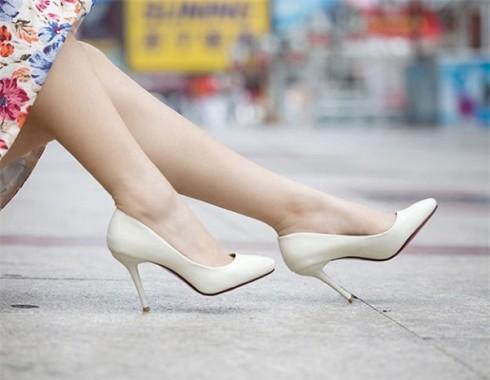 """Một số mẫu giày """"quyền lực"""" nàng phải có trong tủ đồ"""