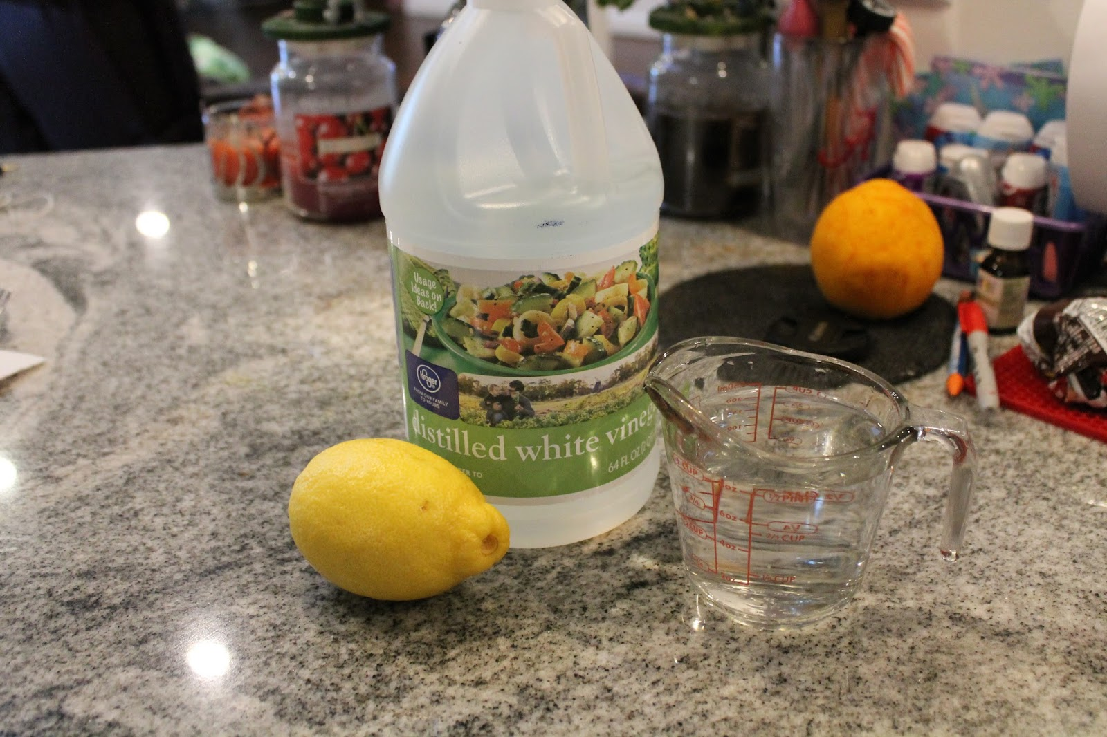Dinner with the grobmyers lemon vinegar bathroom cleaner for Vinegar bathroom cleaner