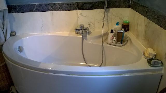 il bagno 2 della villa a mozzo via mozzi
