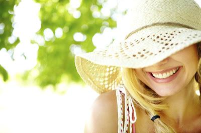 Ánh nắng mùa hè giờ nào nguy hiểm nhất ? Sâm Angela Gold
