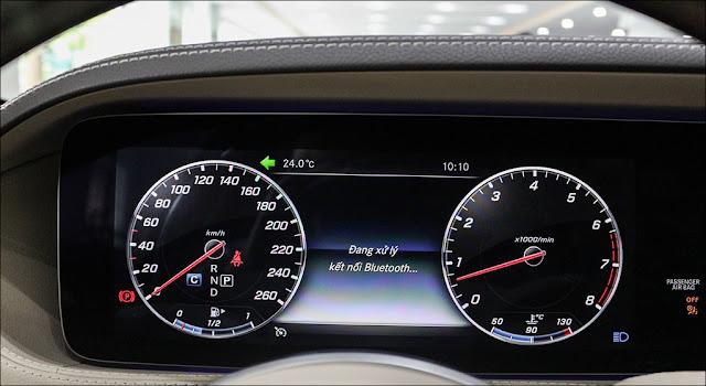 Thiết kế Màn hình phía sau vô lăng Mercedes S450 L 2019