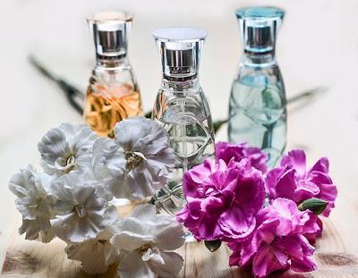 Hukum wanita memakai parfum menurut islam