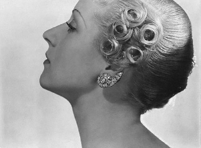 Sleek And Wavy: Characteristics Defined The 1930s Women's