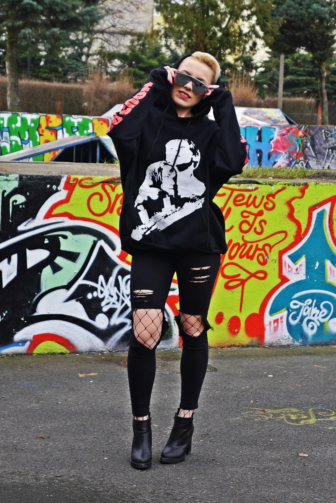 black_pants_hoodies_titanic_coming_soon_karyn_blog_210317