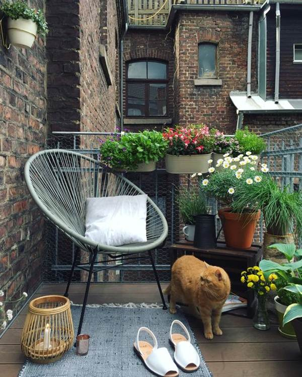 Ideas For Taking Advantage of Space in Small Balconies 5