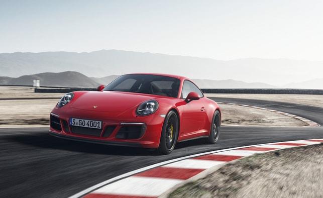 Лидер Porsche 911 GTS