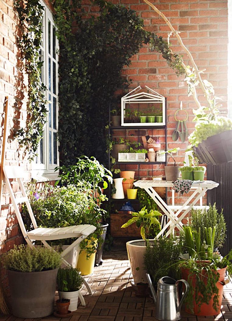 Creative Balcony Garden Design Ideas for Gardeners | Boo ...