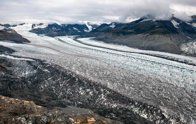 Glacier photos illustrate climate change