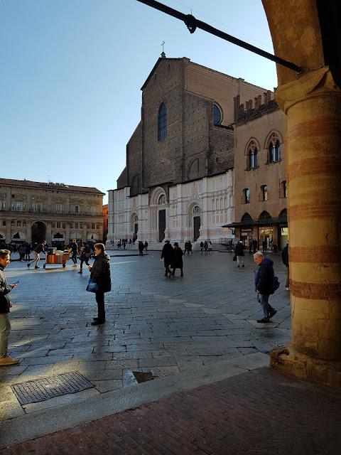 Basilica di San Petronio Bologna piazza maggiore