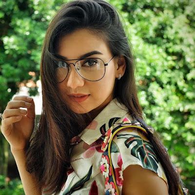 Model Dan Aktris Cantik Irish Bella