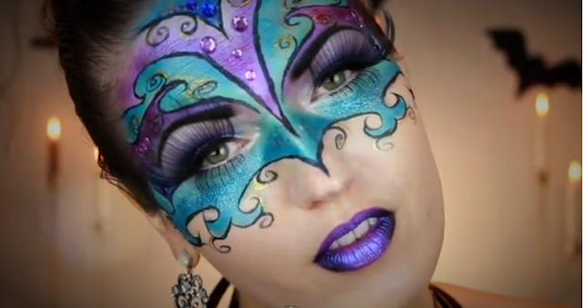 Julia Graf ensina como fazer uma máscara dos bailes de Veneza