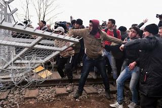 Ανοιχτά σύνορα, μεταναστευτική εισβολή και εξαναγκαστική ενσωμάτωση