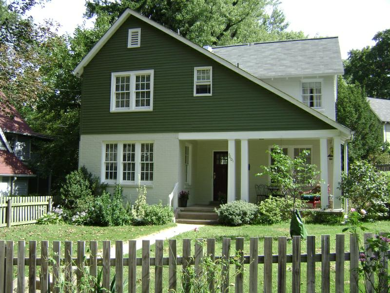 All about small home plans: English Cottage House Plans