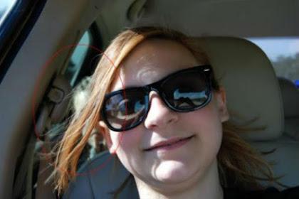 Selfie di Mobil, Wanita Ini 'Ditemani Hantu'