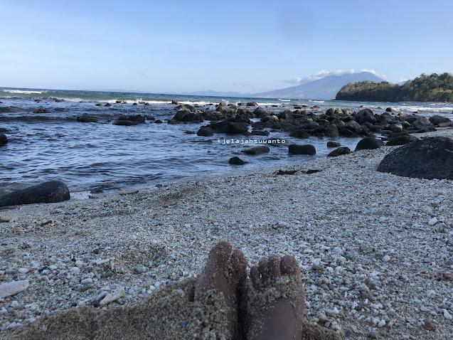 Menunggu senja Pantai Pal Marinsow, Likupang Timur  | ©jelajahsuwanto