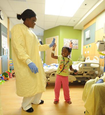 Niño hospital cáncer