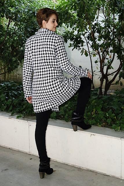 Outfit-Abrigo-pata-gallo-negro-blanco-4