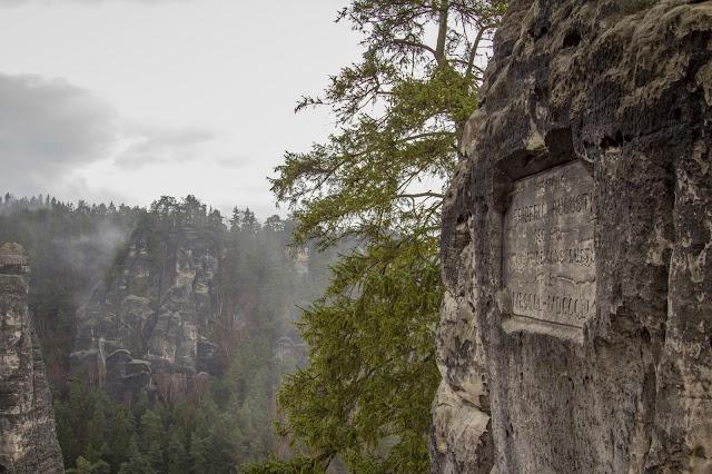 rundweg saechsische schweiz bastei basteibruecke elbsandsteingebirge 06