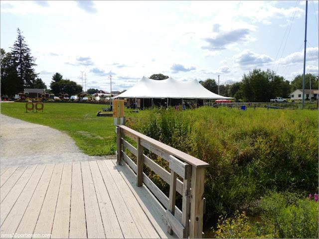 Granjas de Massachusetts: Puente de la Cider Hill Farm