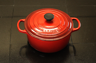 red dutch oven - 2