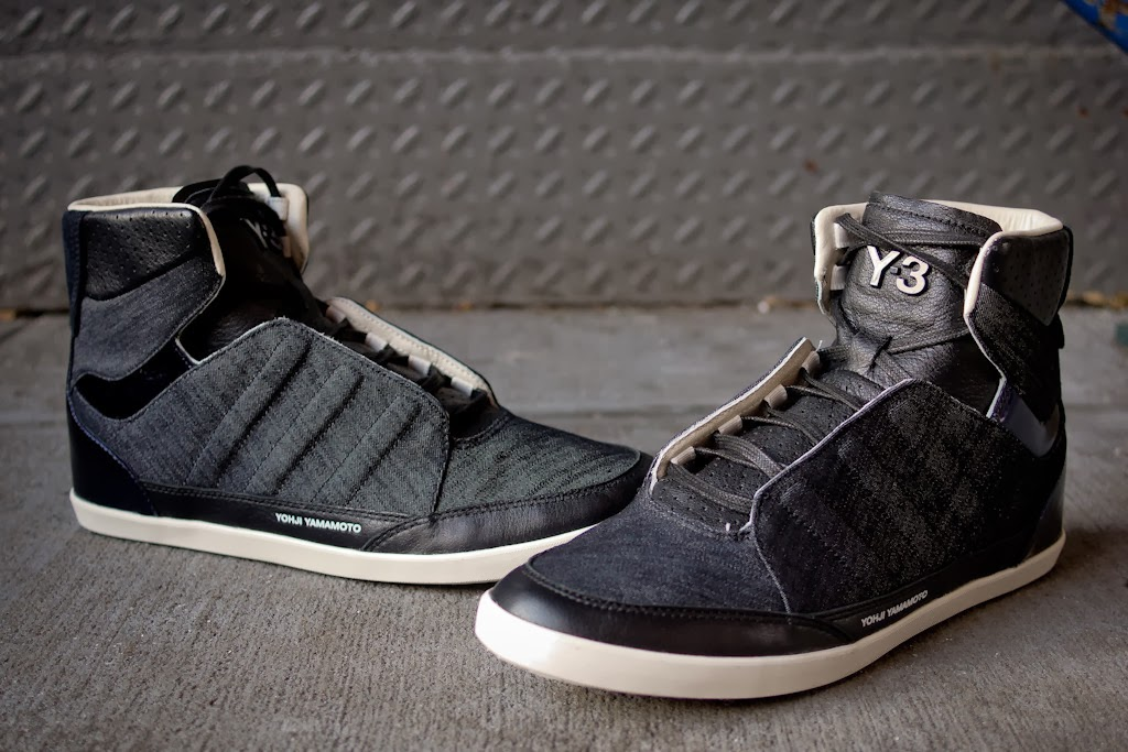 f3f7332e3580 Yohji Yamamoto and adidas continue their collaborative line into 2014 with  a Y-3 favorite