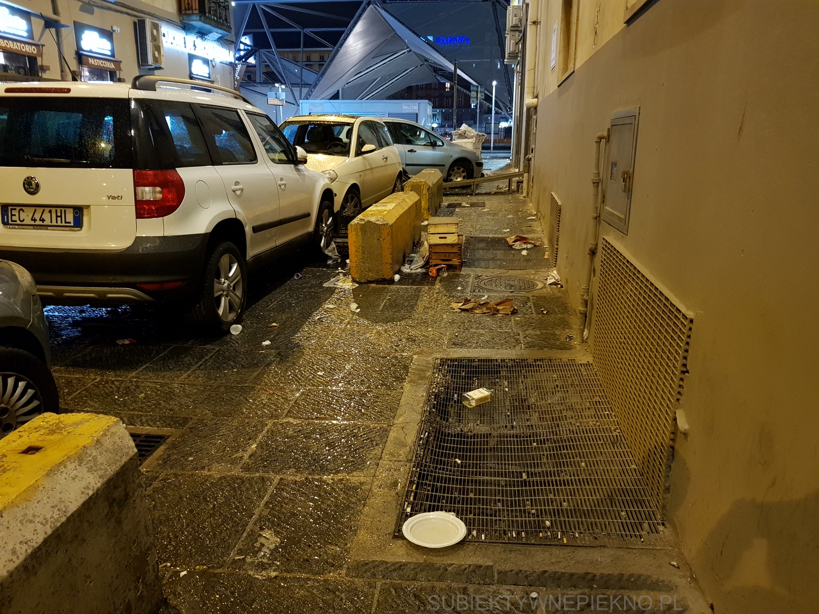 Śmieci na ulicach Neapol Włochy