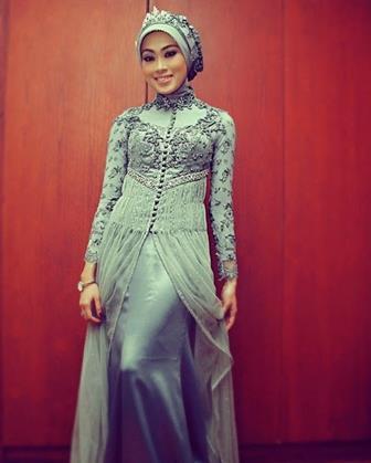 Kebaya Model Gamis Untuk Wanita Muslimah Berhijab