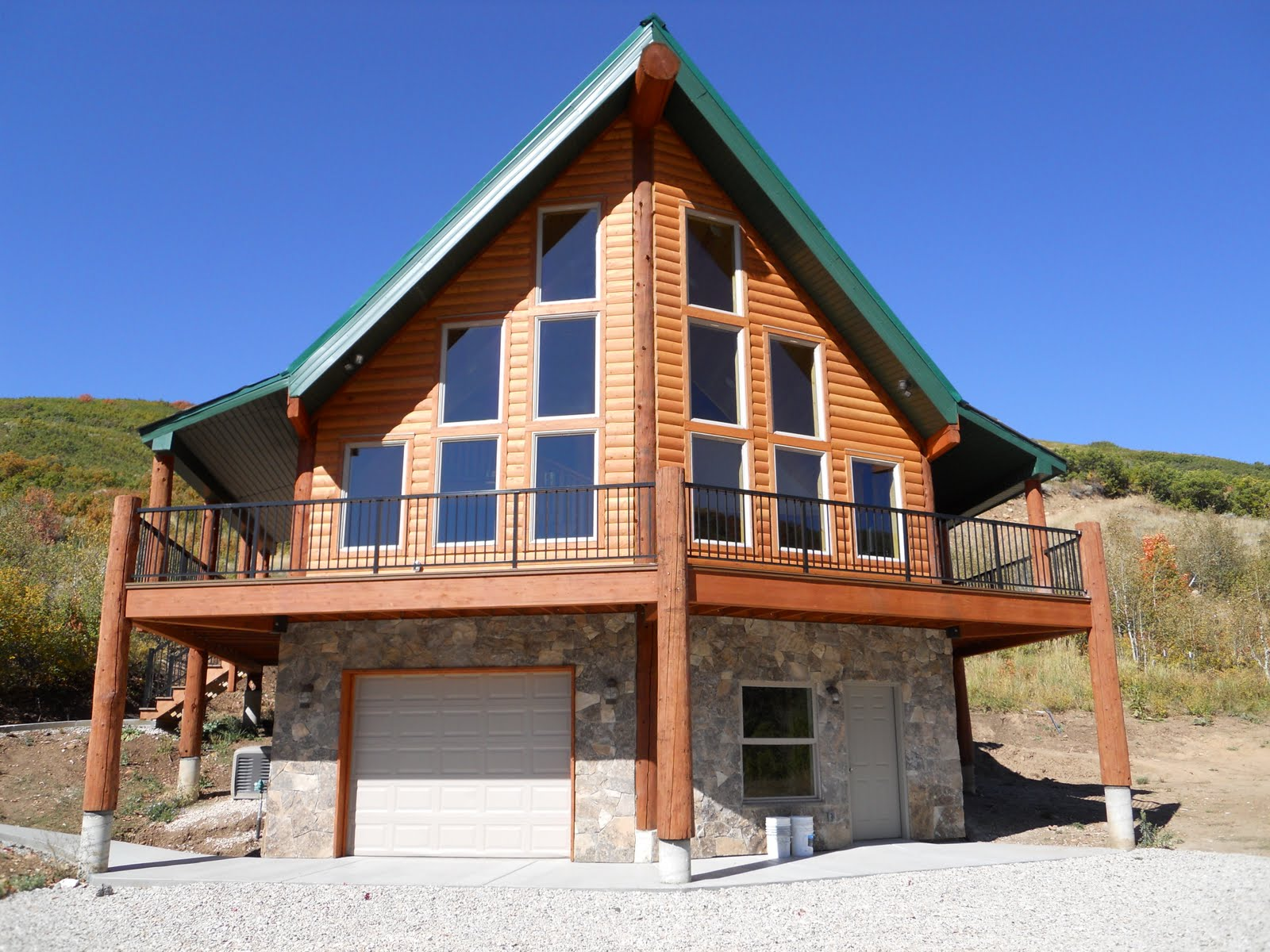 Custom Homes and Remodeling: Bastian Cabin Completed!