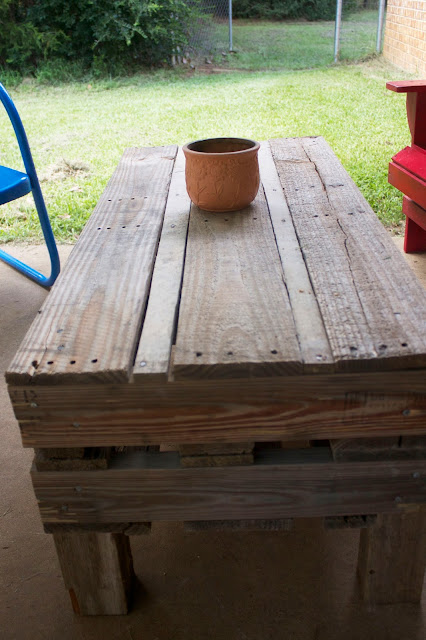 Patio table from a pallet